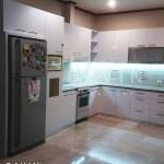 Model Kitchen Set Dengan Kabinet Kulkas