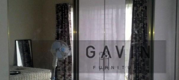 Harga lemari pakaian sliding kombinasi kaca